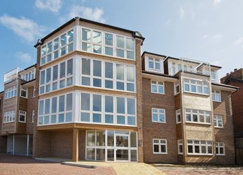 Thumbnail 2 bed flat to rent in Park Avenue, Dover