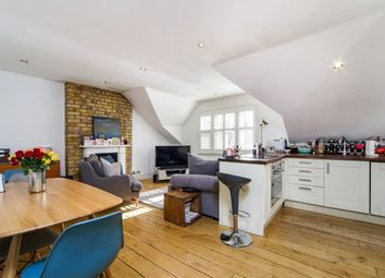 2 bed flat to rent in Lancaster Park, Richmond TW10