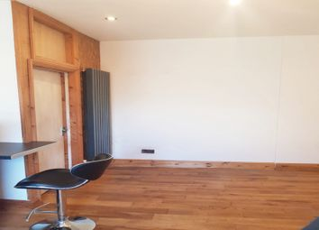 Thumbnail Studio to rent in Lansdowne Road, Seven Kings, Ilford