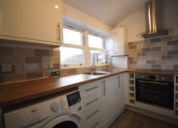 Thumbnail 1 bed flat to rent in Westway, Caterham