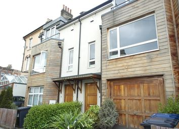 Thumbnail 3 bed town house to rent in Lincoln Road, East Finchley