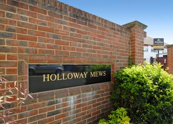 4 Holloway Mews Armstrong Road, Englefield Green TW20. 2 bed property