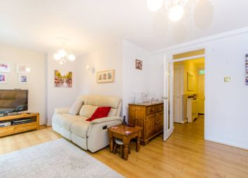 Thumbnail 3 bed flat to rent in Northampton Street, Canonbury