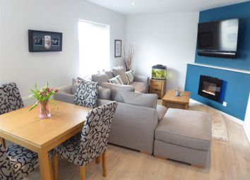 Thumbnail 3 bed flat for sale in Westfield Road, Dunstable