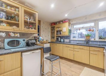 4 bed end terrace house for sale in Western End, Newbury RG14