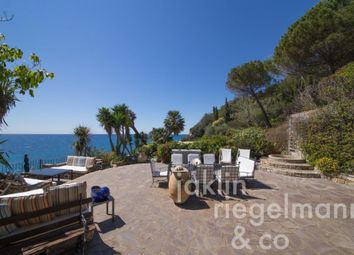Thumbnail 4 bed country house for sale in Italy, Liguria, Savona, Albenga.
