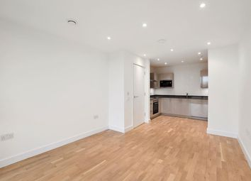 2 bed property to rent in Burgess Springs, Chelmsford CM1