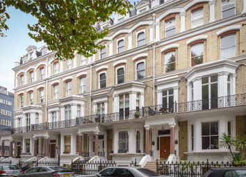 Thumbnail 5 bedroom maisonette for sale in Vicarage Gate, London