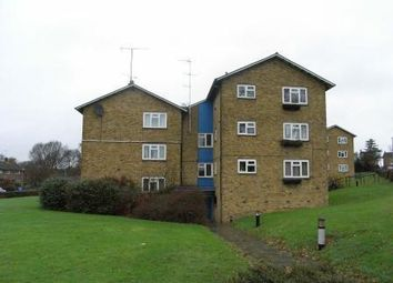 Thumbnail 2 bed flat to rent in Priestwood, Bracknell