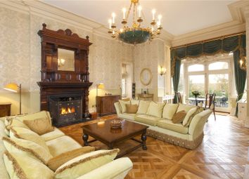 Dene Park, Shipbourne Road, Tonbridge, Kent TN11. 3 bed flat for sale