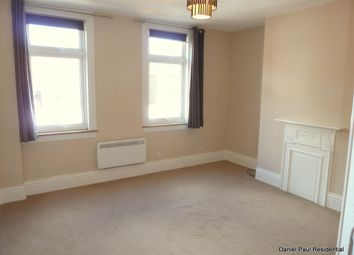 Thumbnail 1 bed flat to rent in Peascod Street, Windsor