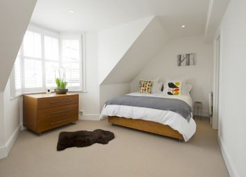 1 bed maisonette for sale in Ladbroke Gardens, London W11