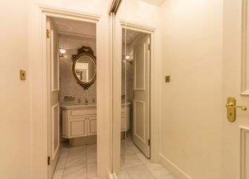 Thumbnail 5 bed flat to rent in Park Street, Mayfair