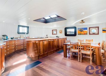 3 bed houseboat for sale in Hermitage Community Moorings, 16 Wapping High Street, London E1W
