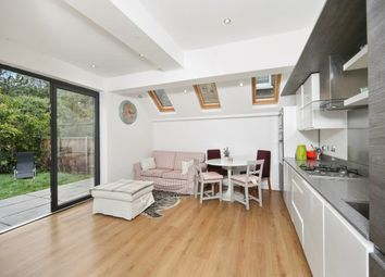 Thumbnail 3 bedroom flat to rent in Silver Crescent, London