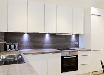 2 bed flat to rent in Hamlet Gardens, London W6