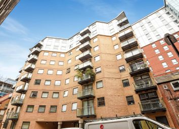 Thumbnail 1 bed flat to rent in Icon House, Merchants Place, Reading