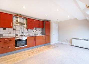 Thumbnail 1 bed flat to rent in Addington Road, Croydon
