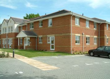 2 bed flat to rent in Tinsley Lane, Three Bridges, Crawley RH10
