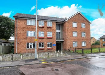 Thumbnail 1 bed flat to rent in Sewardstone Street, Waltham Abbey