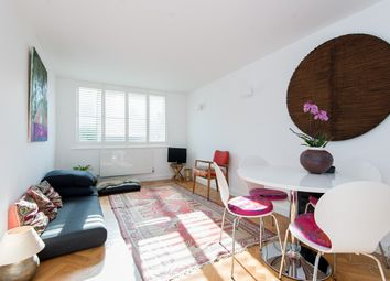 Thumbnail 1 bed flat to rent in Northcote Road, Battersea