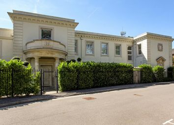 Thumbnail 3 bed flat for sale in Brook Avenue, Ascot