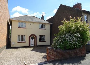 Thumbnail 3 bed detached house for sale in Highfield Street, Coalville, Leicestershire