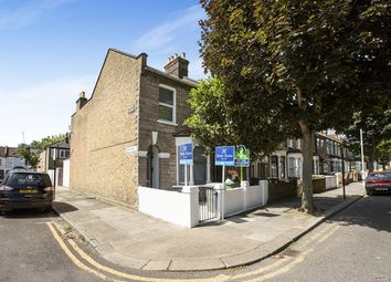 Thumbnail 2 bedroom flat for sale in Tunmarsh Lane, London