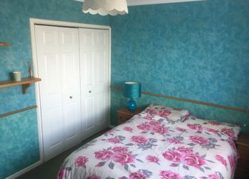 Thumbnail Room to rent in Orchard Way, Camberley
