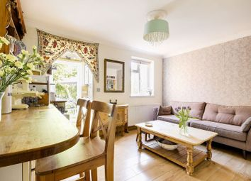 Thumbnail 1 bedroom flat for sale in Farndale Avenue, Palmers Green