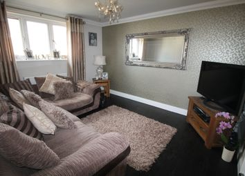 Thumbnail 2 bed flat to rent in Mascalls Lane, Brentwood, Essex