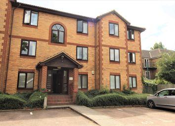 Thumbnail 2 bed flat to rent in Kinnaird Close, Burnham, Slough