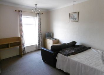 Thumbnail 3 bed flat to rent in Magpie Road, Norwich