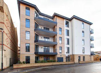 Thumbnail 2 bedroom flat for sale in Bishops Road, Slough