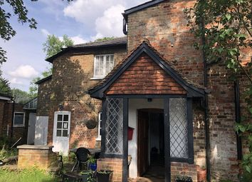 Thumbnail 1 bed property to rent in Bowling Green, Stevenage, Hertfordshire