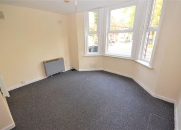 Thumbnail 1 bed flat to rent in Brantwood Road, Luton