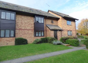 2 bed flat to rent in Cavendish Gardens, Chelmsford CM2