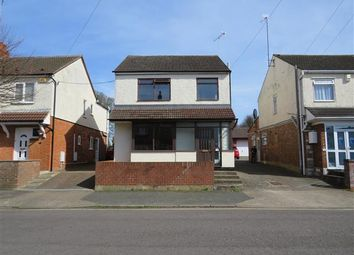 Thumbnail 4 bed property to rent in Leon Avenue, Bletchley, Milton Keynes