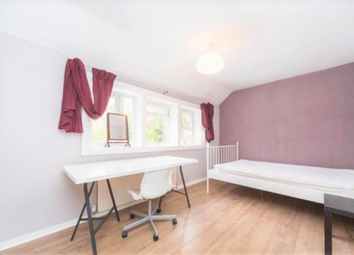 Thumbnail Room to rent in Combemartin Road, London