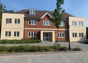 Shaw Hill, Shaw, Newbury RG14. 2 bed flat for sale