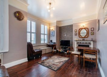 Thumbnail 3 bed flat for sale in Daysbrook Road, Streatham Hill