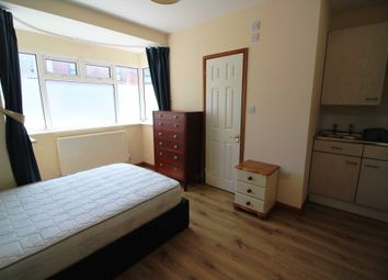 Thumbnail Room to rent in Sherwood Street, Reading