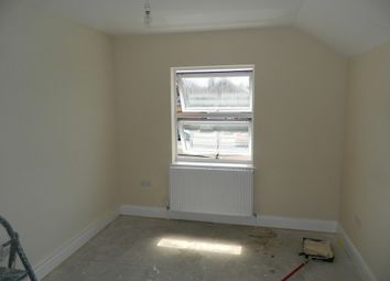 Thumbnail 1 bed flat to rent in Bath Road, Cippenham, Berkshire