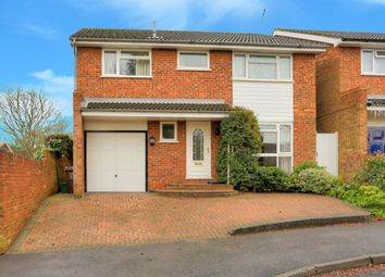 Thumbnail 4 bedroom detached house for sale in Parva Close, Harpenden