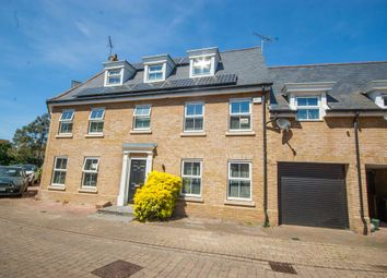 Thumbnail 5 bed link-detached house to rent in Eglinton Drive, Chancellor Park, Chelmsford