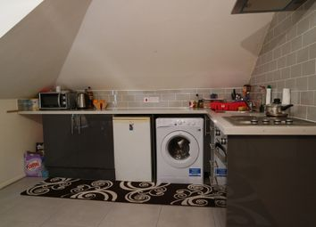 Thumbnail 1 bed flat to rent in Streatham Green, Streatham High Road, London