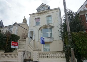Thumbnail 1 bed flat to rent in Grovehill Road, Redhill, Surrey