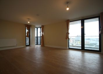 Charter House, High Road, Ilford IG1. 3 bed flat