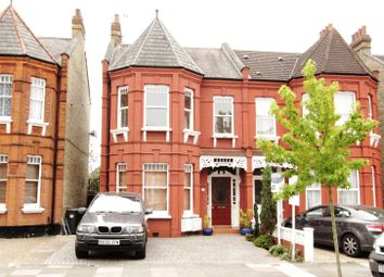 Thumbnail 2 bedroom flat to rent in Grovelands Road, Palmers Green