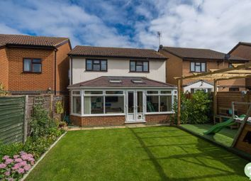 Weldon Way, Thame OX9. 4 bed detached house